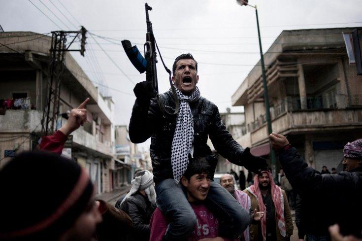 مظاهرة مناهضة للحكومة في بلدة القصير، 27 كانون الثاني/يناير 2012