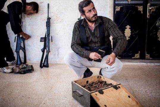 أعطبت ذخيرة مفخخة اليد اليسرى لمحمد صالح حاج موسى عندما انفجرت في سلاحه